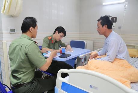 Bắt đầu cấp hộ chiếu nhanh cho bệnh nhân ngay tại giường bệnh