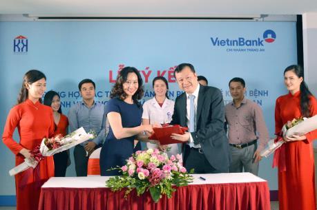 VietinBank Tràng An hỗ trợ thanh toán viện phí bằng thẻ khám chữa bệnh