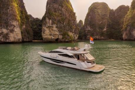 Du ngoạn vịnh Hạ Long với du thuyền triệu đô FLC Albatross