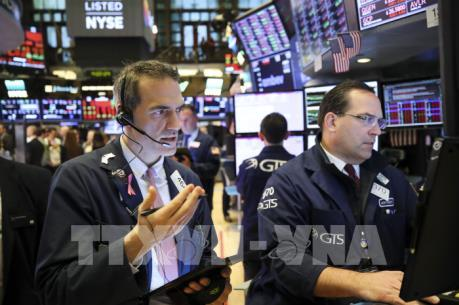 Fed giảm lãi suất, chứng khoán Mỹ vẫn mất phương hướng