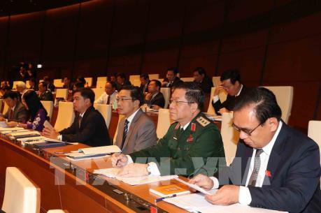 Khai mạc trọng thể Kỳ họp thứ 7, Quốc hội khóa XIV: Xem xét, thông qua 7 dự án luật