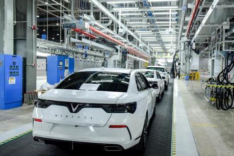 VinFast bắt đầu chạy thử xe Lux và Fadil tại Việt Nam