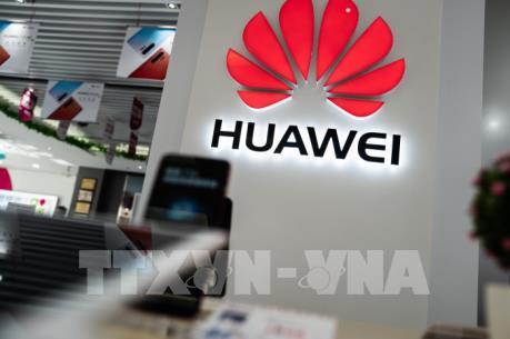 """Huawei tỏ ra """"xem nhẹ"""" sắc lệnh hành pháp của Mỹ"""