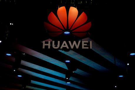 Panasonic ngừng giao dịch với Huawei