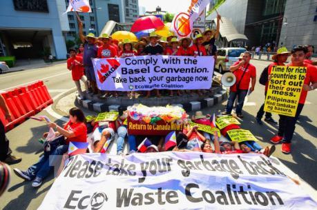 Canada chi gần 1 triệu USD để đưa rác thải từ Philippines về nước