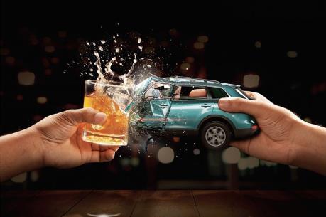 Đức phạt tù hoặc cấm vĩnh viễn lái xe uống rượu bia
