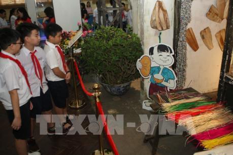 Nhiều hoạt động dịp Tết Đoan Ngọ và Quốc tế Thiếu nhi ở Hoàng thành Thăng Long