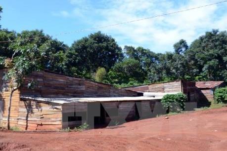 Nhà xây mới, nhà tạm mọc lên chờ đền bù thu hồi khai thác mỏ quặng