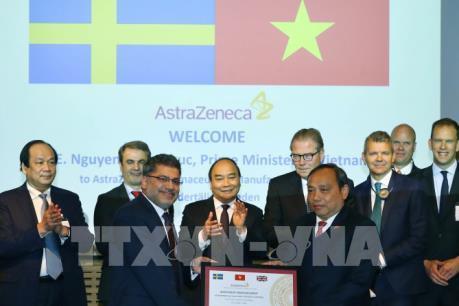 Thủ tướng Nguyễn Xuân Phúc thăm Tập đoàn dược phẩm AstraZeneca, Thụy Điển