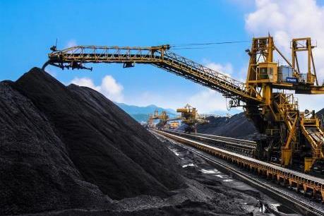 TKV áp dụng cơ giới hóa nhẹ trong khai thác than