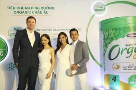 Vinamilk ra mắt sữa công thức trẻ em chuẩn Organic châu Âu đầu tiên tại Việt Nam