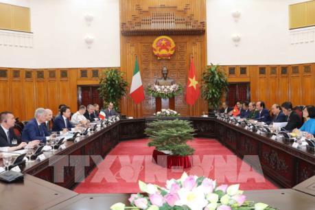 Thủ tướng Nguyễn Xuân Phúc đón, hội đàm với Thủ tướng Italia
