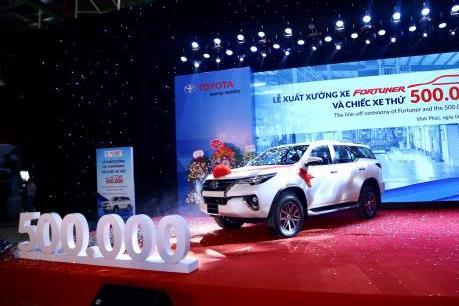 Toyota xuất xưởng chiếc xe thứ 500.000 và ra mắt Fortuner lắp ráp