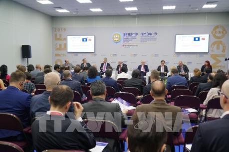 Việt Nam tham dự Diễn đàn Kinh tế Quốc tế Saint Petersburg lần thứ 23