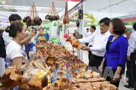 Khai mạc hội chợ Nông nghiệp và sản phẩm OCOP khu vực đồng bằng sông Cửu Long lần thứ I