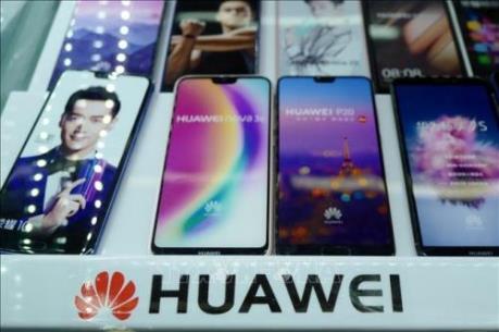 Tới lượt Facebook nghỉ chơi với Huawei