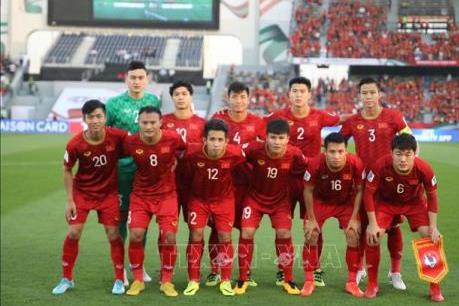 Bóng đá Việt Nam tụt 1 bậc trên bảng xếp hạng thế giới