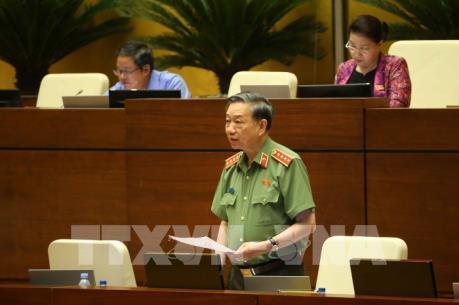 Kỳ họp thứ 7, Quốc hội khóa XIV : Đề xuất sử dụng hộ chiếu điện tử