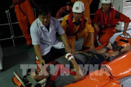 Cấp cứu thuyền viên tàu nước ngoài bị nạn trên biển Đà Nẵng