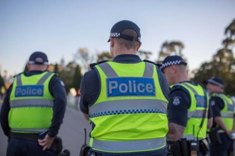 Bắt 2 đối tượng tấn công bạo lực nhằm vào cảnh sát Australia