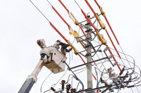 Nắng nóng kéo dài, lượng điện tiêu thụ tại Hà Nội tăng đột biến