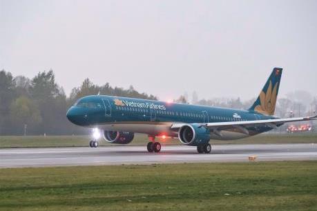 Vietnam Airlines đồng hành cùng các em thiếu nhi vượt khó học giỏi toàn quốc