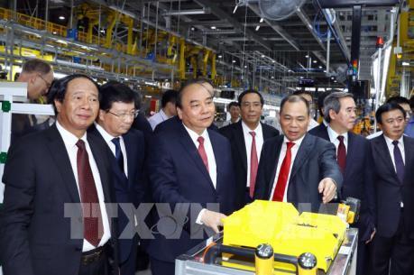 Thủ tướng muốn VinFast chủ động liên kết, hợp tác với các nhà sản xuất ô tô Việt Nam