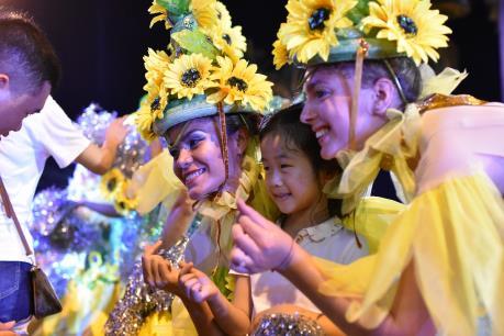 Đà Nẵng: Mê say trong hội hè mùa DIFF 2019