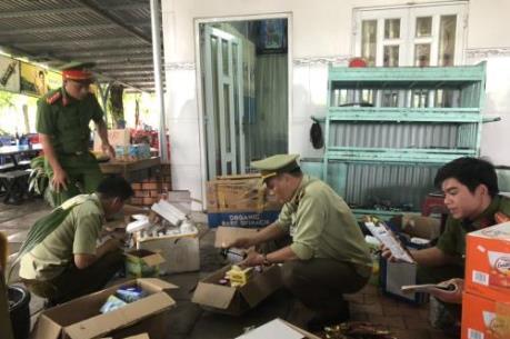 Bắt giữ gần 1.200 sản phẩm mỹ phẩm, thực phẩm chức năng nhập lậu