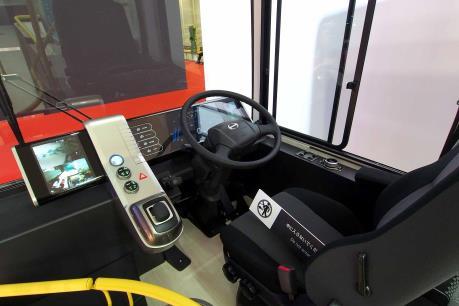 Hino Motors sẽ trình làng xe buýt với công nghệ hỗ trợ tự động dừng xe