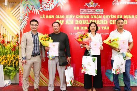 Trao hàng trăm sổ đỏ cho khách hàng tại dự án Boulevard City Bà Rịa–Vũng Tàu