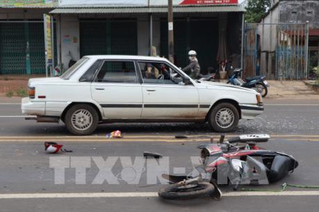 Bình Phước: Lái xe say xỉn đi ngược chiều tông trực diện vào tô tô