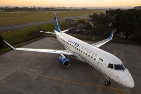 Embraer ký hợp đồng trị giá 1,9 tỷ USD với United Airlines