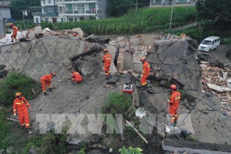 Động đất ở Trung Quốc: Hơn 500 lính cứu hỏa tham gia cứu hộ