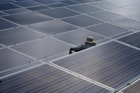 Nhà máy điện mặt trời do doanh nghiệp Thái Lan đầu tư bắt đầu vận hành