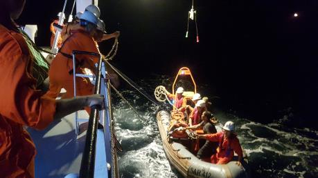 Cấp cứu khẩn cấp thuyền viên bị tai nạn lao động