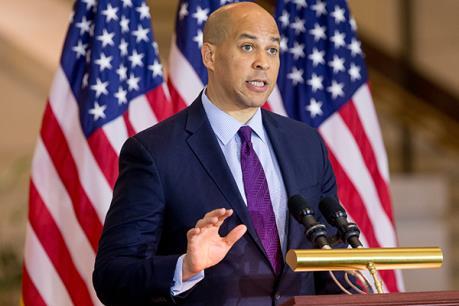 Bầu cử Mỹ 2020: Ứng cử viên Booker có ngày gây quỹ cao thứ hai