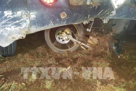 Xe container tông trực diện xe máy, một người chết