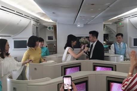 Ấn tượng tiệc mừng đám cưới trên độ cao 10.000m cùng Vietnam Airlines