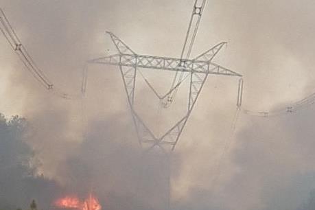 Cháy rừng ở Thừa Thiên - Huế: Căng thẳng cấp điện ở miền Bắc và miền Trung