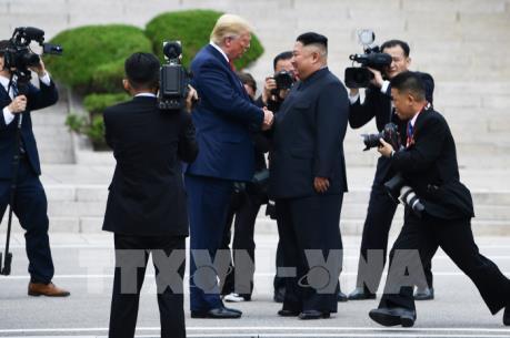 Cuộc gặp Mỹ-Triều tại DMZ: Tổng thống Mỹ mời nhà lãnh đạo Triều Tiên tới  Nhà Trắng