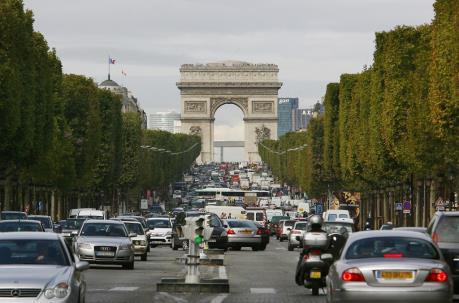 Paris cấm toàn bộ ô tô cũ chạy dầu diesel tại trung tâm