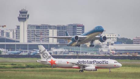 Các hãng hàng không điều chỉnh khai thác do ảnh hưởng của bão số 2