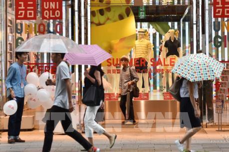 Từ tháng 9, Uniqlo thay túi nhựa bằng túi giấy tại cửa hàng trên toàn cầu