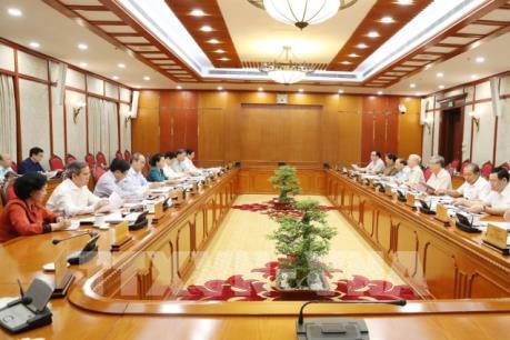 Đồng chí Tổng Bí thư, Chủ tịch nước Nguyễn Phú Trọng chủ trì họp Bộ Chính trị