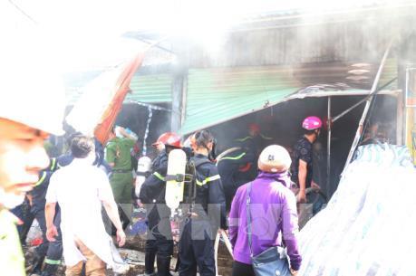 Cháy lớn tại chợ Hưng Dũng, thành phố Vinh