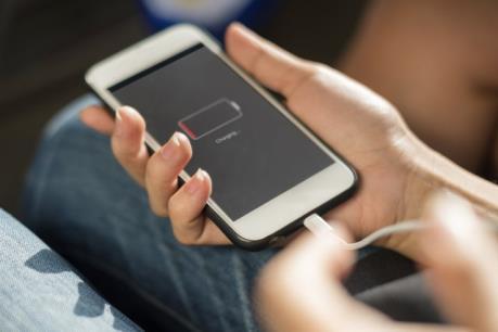 Lạng Sơn: Tử vong do sử dụng điện thoại khi đang sạc pin