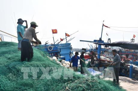 """Nan giải """"bài toán"""" thiếu lao động biển"""