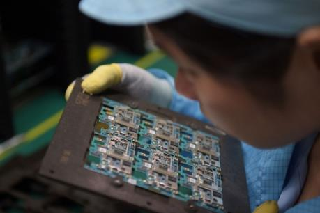 Mỹ miễn áp thuế 25% với một số sản phẩm y tế và điện tử Trung Quốc