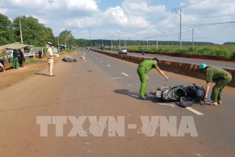 Xe máy đi ngược chiều gây tai nạn khiến 1 người chết